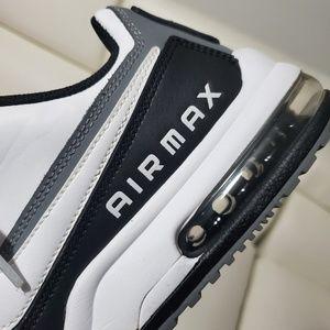 Nike Shoes - Nike Air Max running shoe